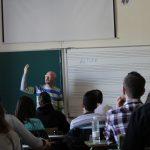 Antonio Asiáin durante su ponencia Música y Musicoterapia. El poder del sonido
